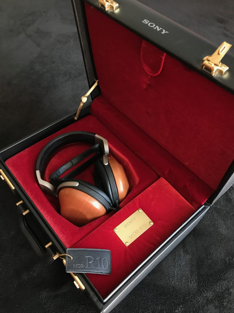 Sony MDR-R10 mallette et casque