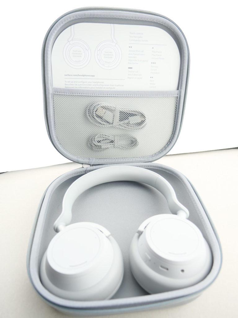 Surface headphones dans sa housse