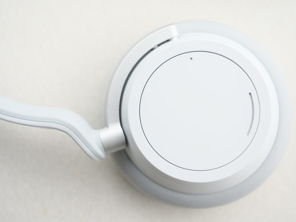 Surface headphones vue sur une coque, de face